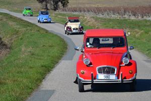 Rallye en Citroën 2 CV events med séminaires